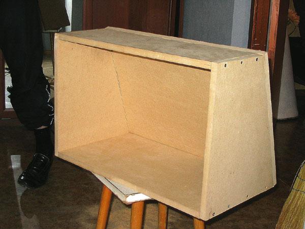 Замутили с другом коробок под саб jvc cs-gw1200 , мочит офигенно)