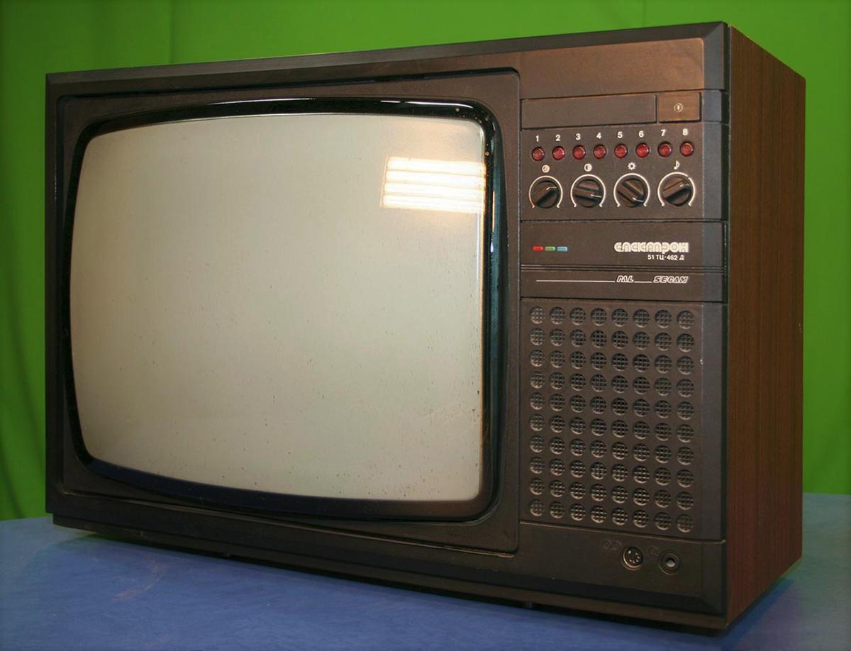 """Картинки по запросу """"10 постсоветских телевизоров. Как наши с «тринитроном» воевали"""""""