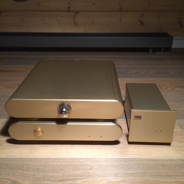 Продам фонокорректор WAVAC LCR-X2