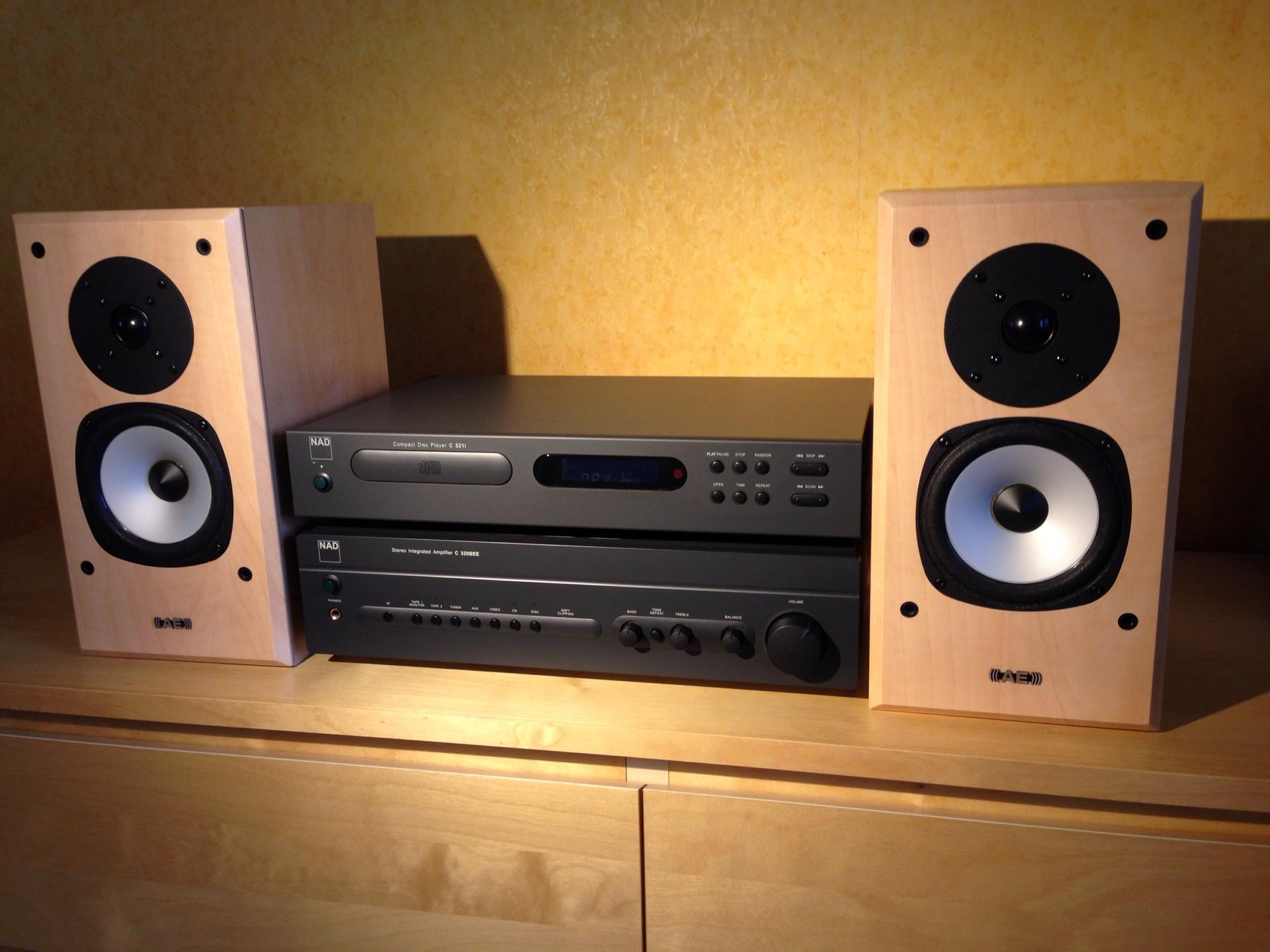 NAD C521i, NAD C320BEE, AE EVO1 | Hi-Fi ru