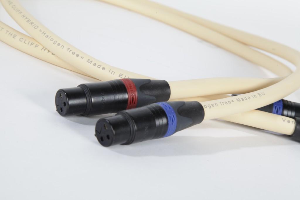 Межблочные кабели van den Hul