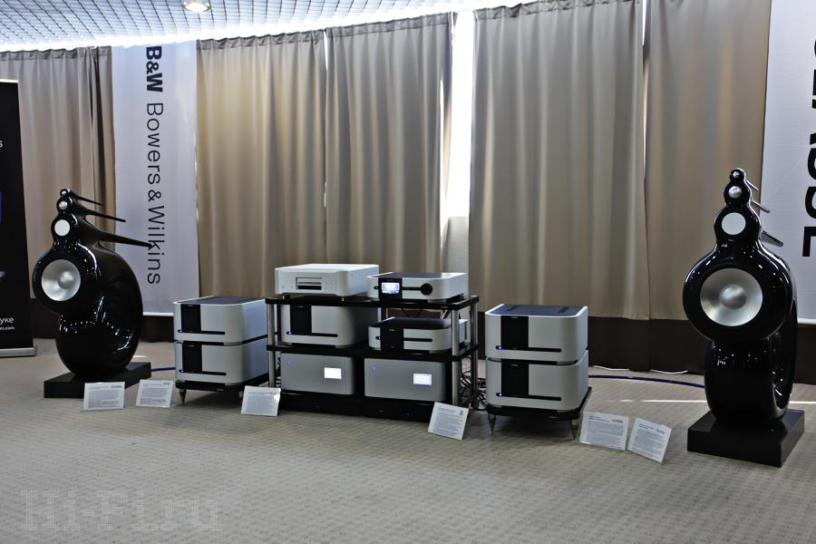 SACD/CD-проигрыватель Esoteric K-01X, предусилитель/процессор Classe CP-800, усилители мощности Classe CA-D200, Classe CT-2300 и Classe CA-M600