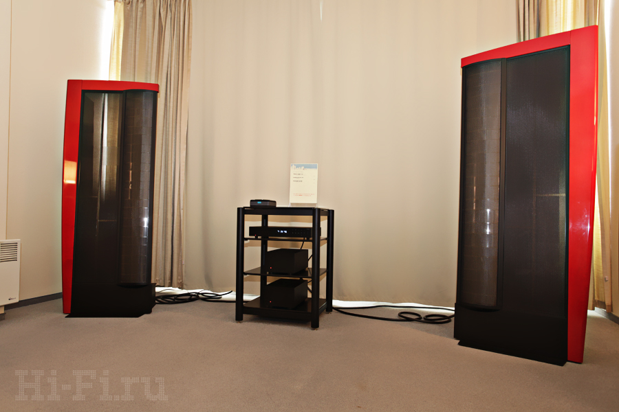 Электростатические АС Martin Logan CLX, CD-плеер Audiolab 8200CDQ, два моноблока Audiolab 8200 MB