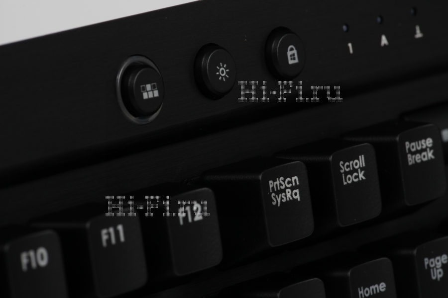 Игровая клавиатура Corsair Vengeance K70