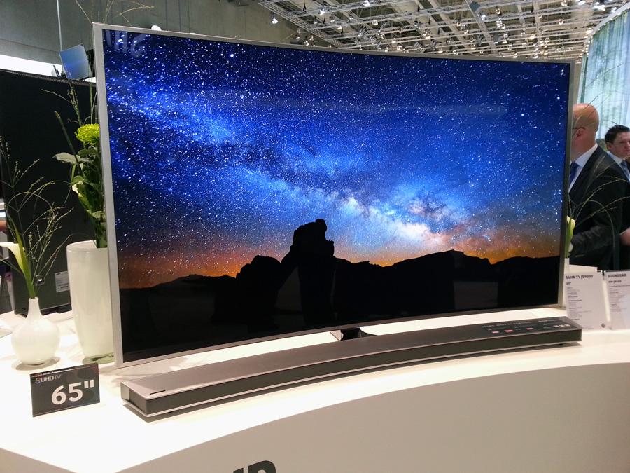 Изогнутому телевизору - изогнутый саундбар