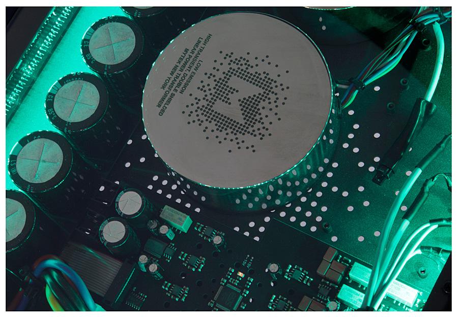 Цифро-аналоговый преобразователь Mytek Manhattan II