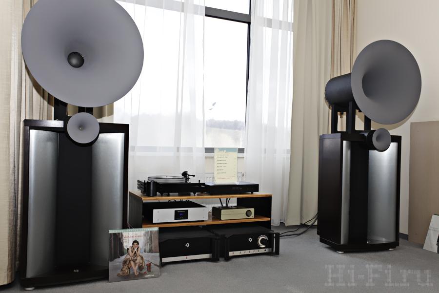 АС Avantgarde Duo Mezzo, проигрыватель Music Hall mmf 9.1, фонокорректор Quad QC-24p, CD-плеер Audiolab 8200CDQ, предусилитель Avantgarde XA-Pre, усилитель мощности Avantgarde XA-Power
