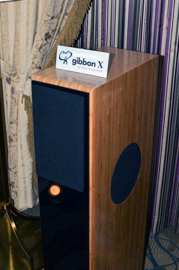 DeVore Fidelity Gibbon X