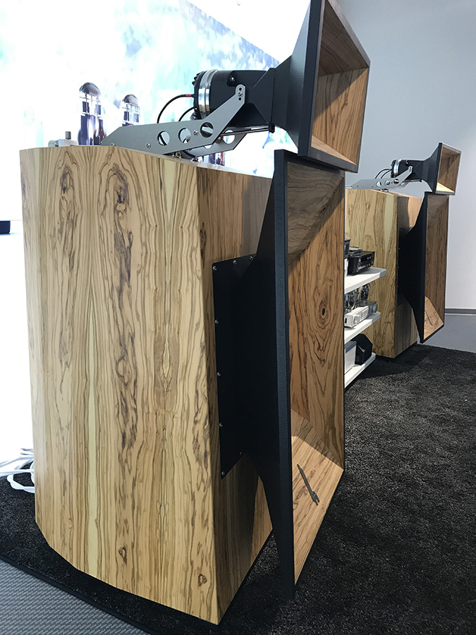 Фоторепортаж с выставки Munich High End Show 2017 - Blumenhofer Acoustics