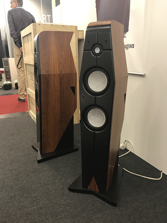 Фоторепортаж с выставки Munich High End Show 2017 - Lawrence Audio