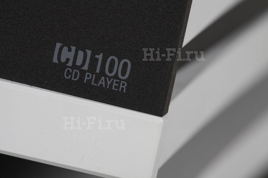 Проигрыватель компакт-дисков StormAudio CD 100 и интегрированный усилитель StormAudio IА2.120