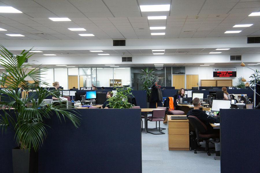 Офис на фабрике Bowers & Wilkins