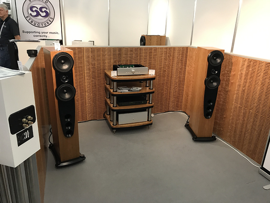 Фоторепортаж с выставки Munich High End Show 2017 - Valve Audio