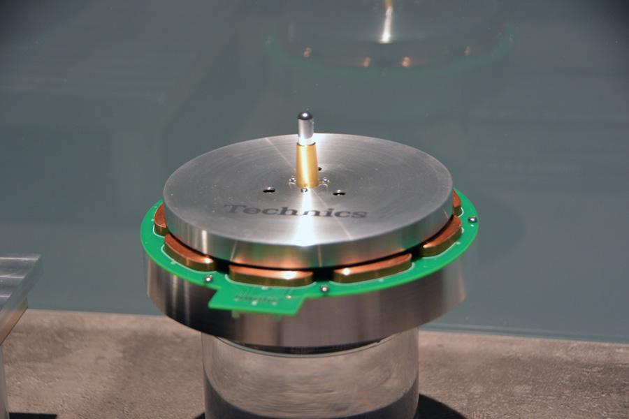 Прототип проигрывателя виниловых пластинок Technics