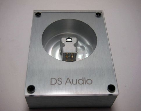 DS-Audio DS-001 NEW (unopened)