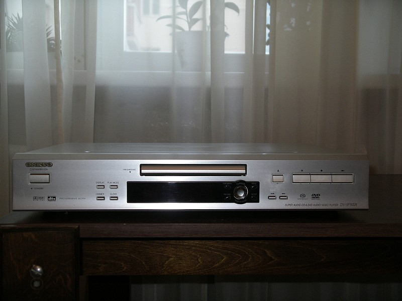 SACD  DVD Audio / Video Player Onkyo DV-SP502E