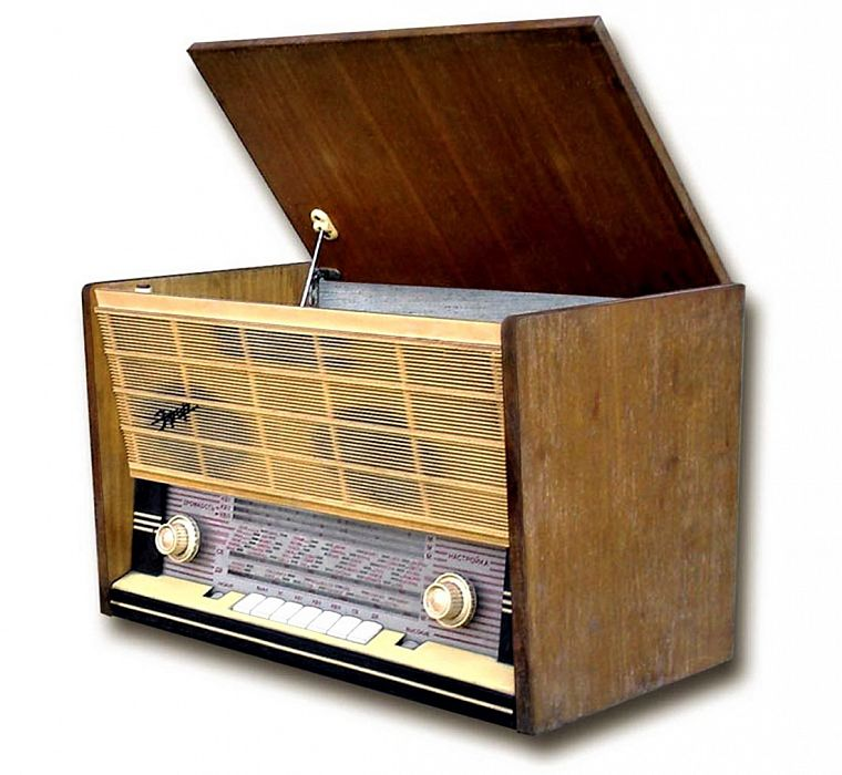 Топ 8 больших транзисторных радиол из СССР