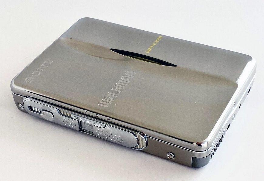 3. Sony Walkman WM-EX20 20th Anniversary