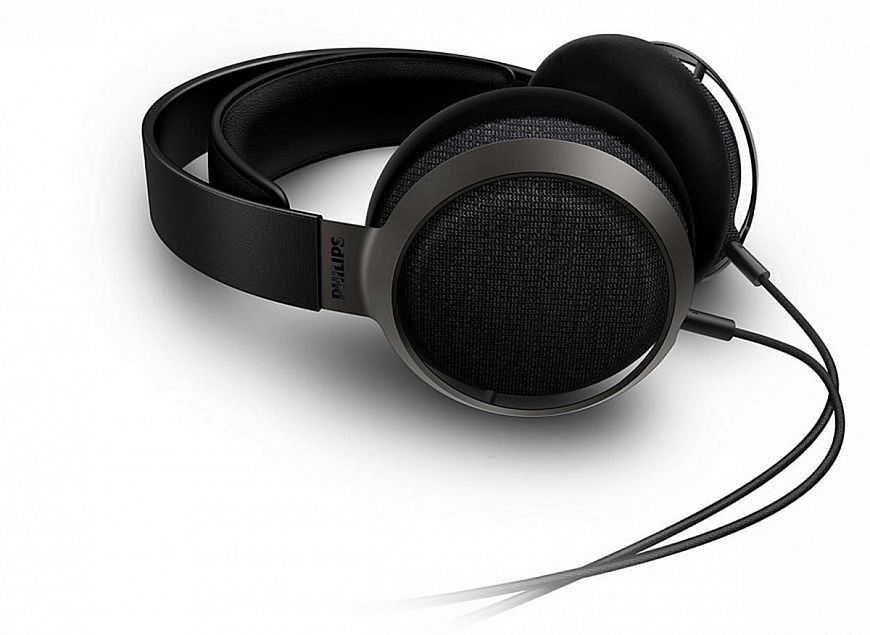 4. Philips Fidelio X3