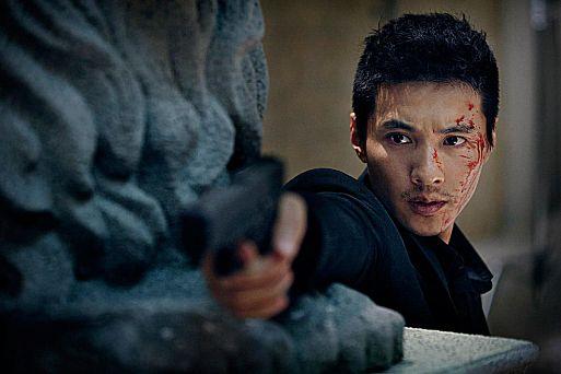 7. Человек из ниоткуда / Ajeossi (2010)