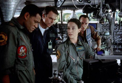 Сквозь горизонт / Event Horizon (1997)