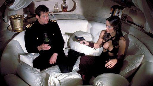 1. «Шпион, который меня любил» / The Spy Who Loved Me (1977)