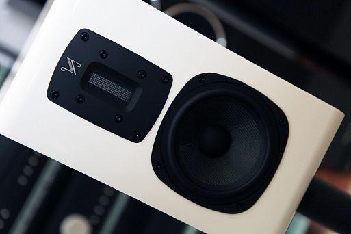 Полочные акустические системы Quad S-2