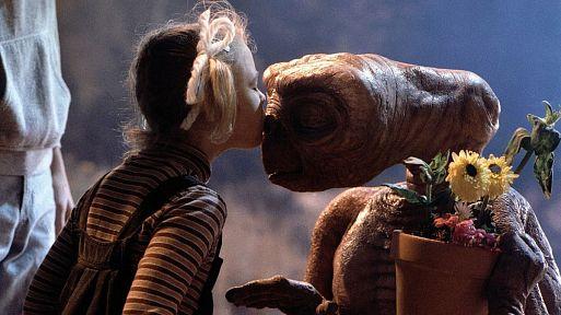 23. Инопланетянин / E.T. the Extra-Terrestrial (1982)