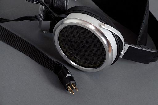 Электростатические наушники Stax SR-009