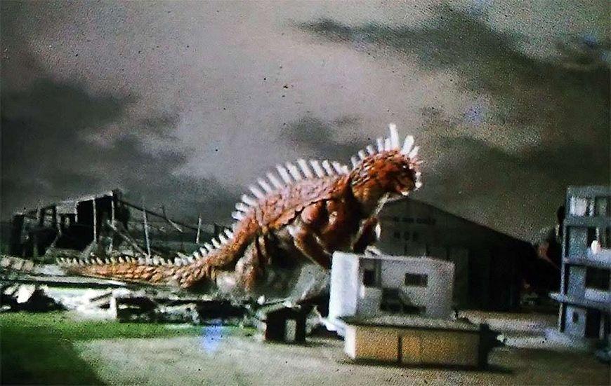 Топ-50 фильмов про гигантских монстров