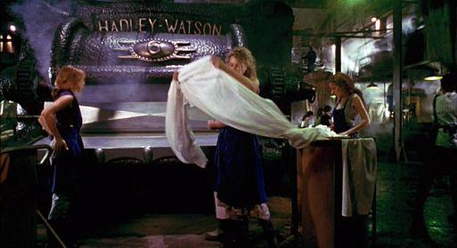Гладильная машина – «Давилка» / The Mangler (1995)