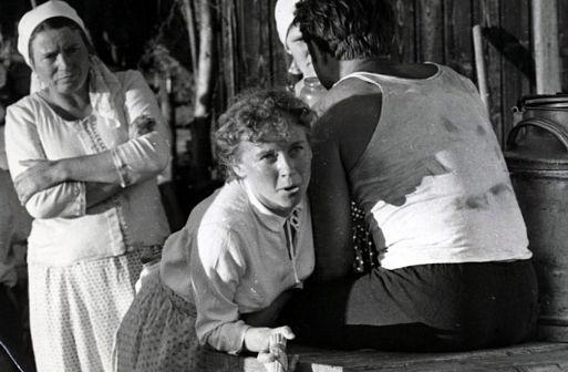 История Аси Клячиной, которая любила, да не вышла замуж (1967)