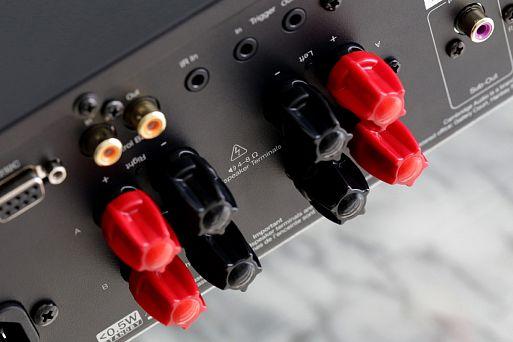 Интегральный усилитель с ЦАП Cambridge Audio CXA61