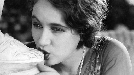 «Золотой век» / L'âge d'or (1930)
